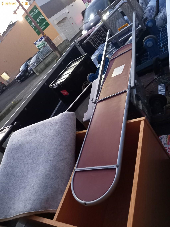 【八王子市】カーペット、スタンドミラー、衣装ケース、ラック等の回収