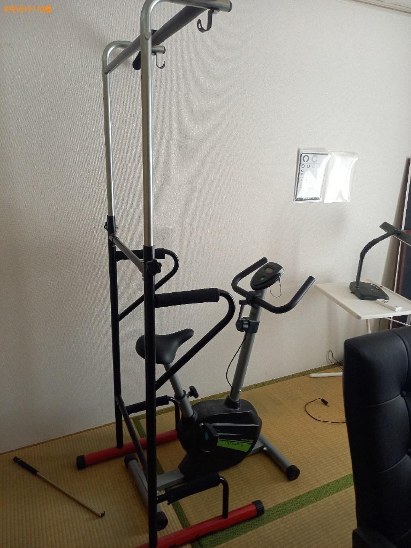 本棚、衣装ケース、椅子、学習机、健康器具、エアロバイク等の回収