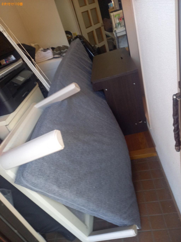こたつ、マットレス付きシングルベッド、ローテーブル等の回収・処分