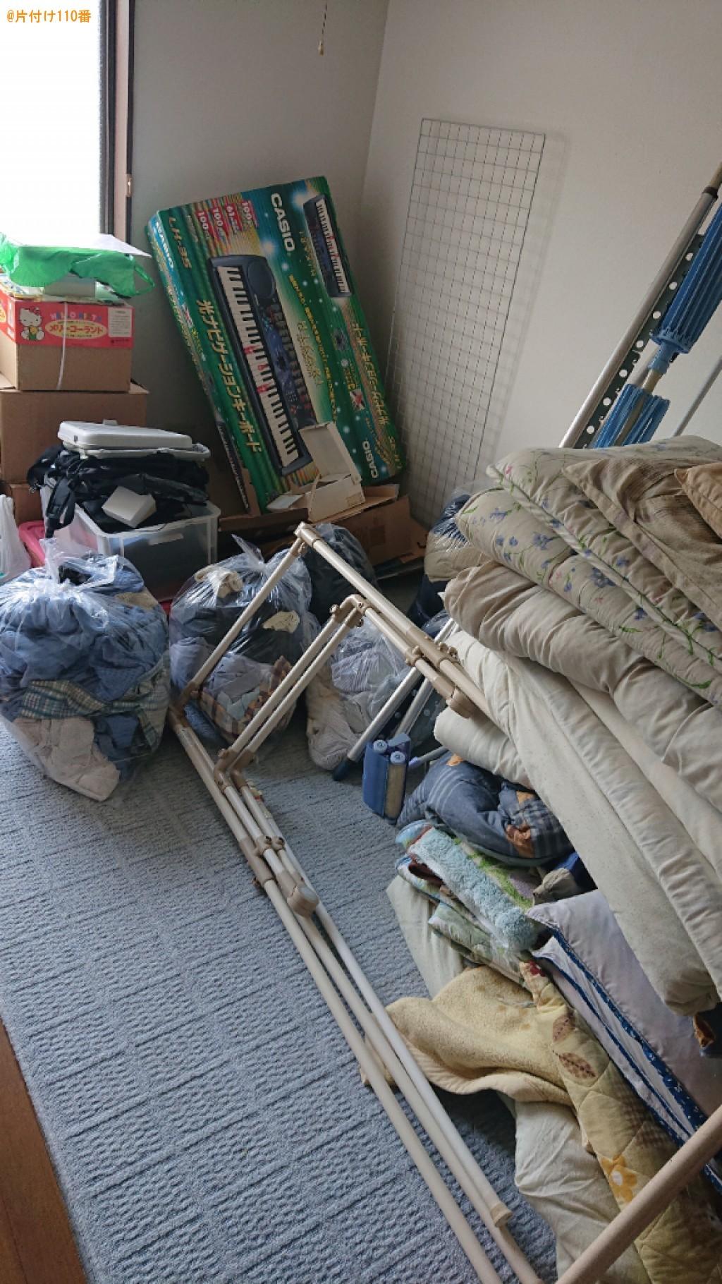 冷蔵庫、洗濯機、布団、衣類、テレビ台、物干し等、掃除機等の回収